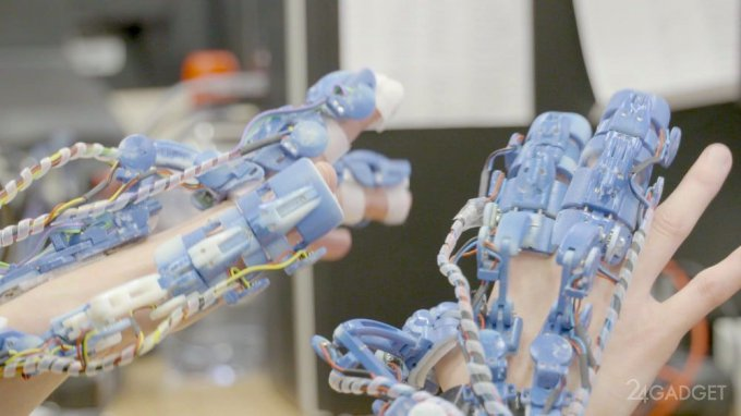 Тактильный экзоскелет поможет хирургам при операциях (видео)
