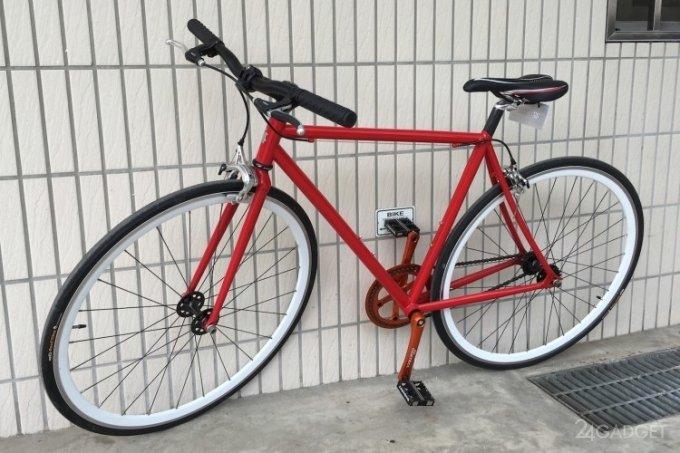 Магнитные педали не позволят велосипеду упасть на парковке (5 фото + видео)