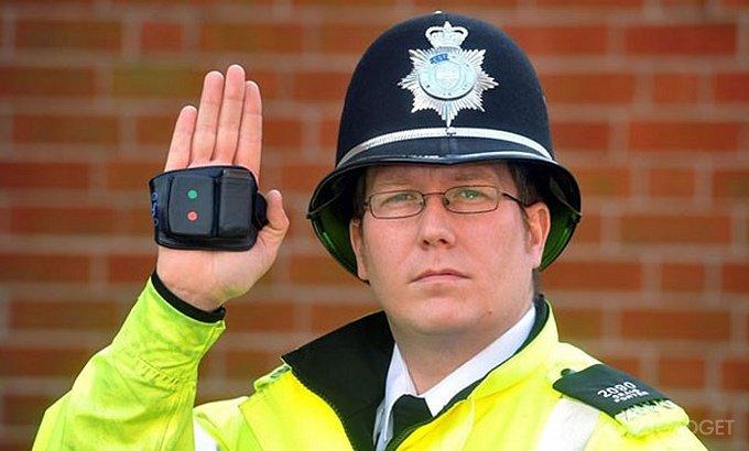 Искусственный интеллект будет помогать британской полиции (3 фото)