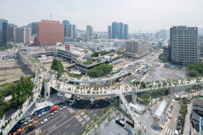 Автостраду в центре Сеула превратили в ботанический сад (19 фото)