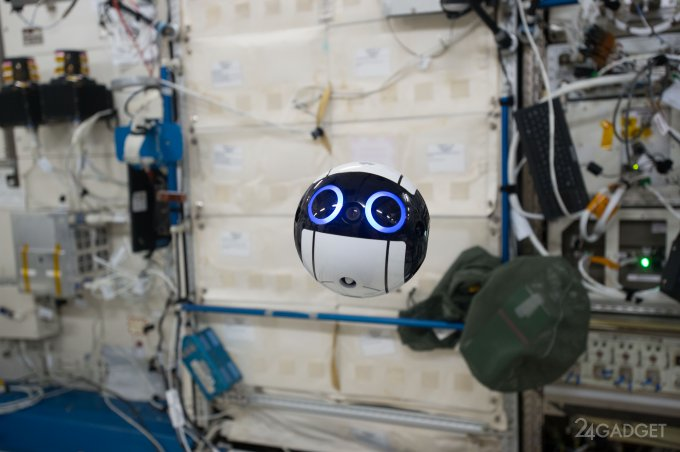 На МКС поселился забавный японский робот Int-Ball (3 видео)