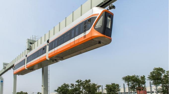 """В Китае запустили """"небесный поезд"""" (6 фото + видео)"""
