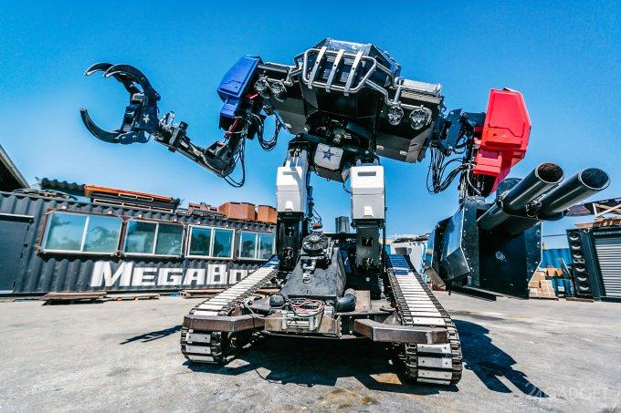 Боевой робот-гигант Eagle Prime готов к встрече с японским противником (7 фото + видео)