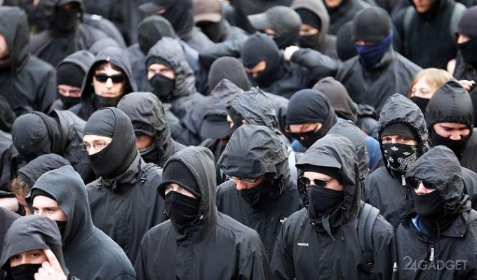 Алгоритм распознавания закрытых лиц узнает человека даже через маску