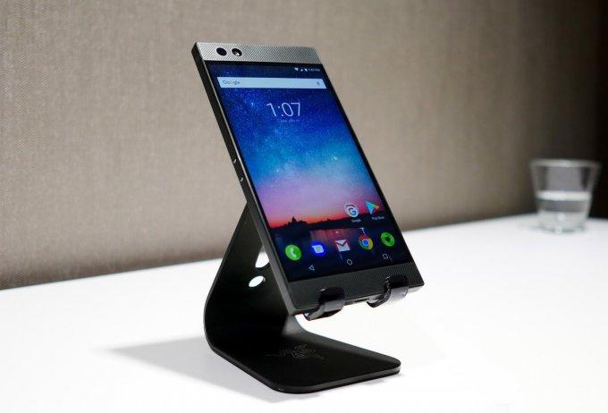Представлен самый мощный геймерский смартфон Razer Phone (25 фото + видео)