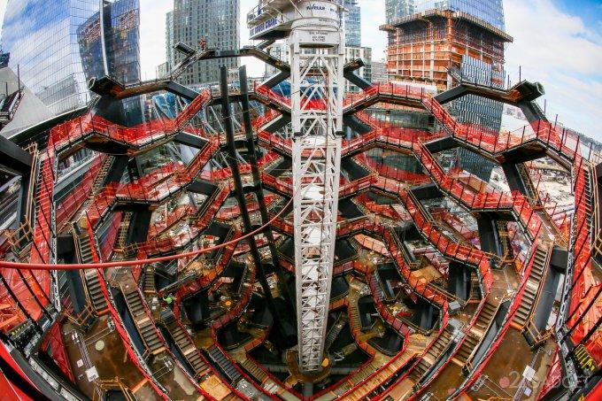 В Нью-Йорке стоят смотровую площадку с «бесконечной лестницей» (26 фото + видео)