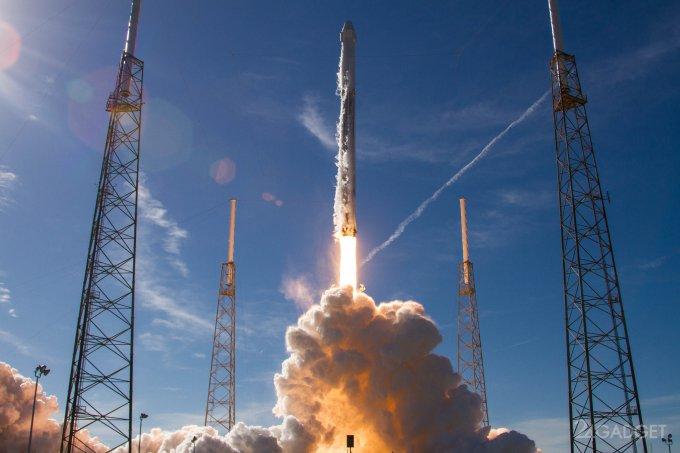 Илон Маск запустил к МКС подержанные ракету и грузовую капсулу (6 фото + видео)