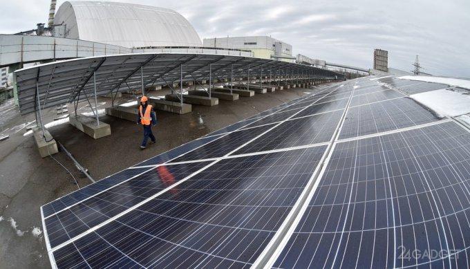 В Чернобыльской зоне построена первая солнечная электростанция (2 фото + видео)