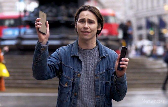 Представитель OnePlus разбил iPhone X и Galaxy Note 8 прохожих