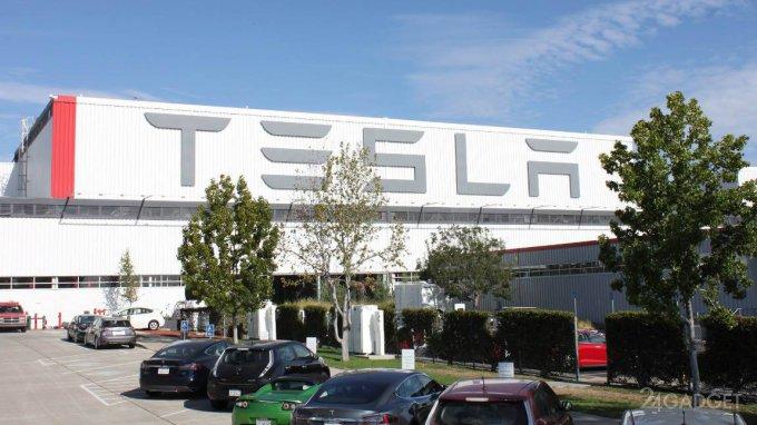 Хакеры заставили компанию Tesla работать на себя