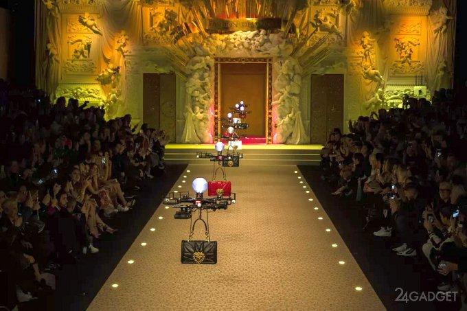 Бренд Dolce & Gabbana заменил девушек-моделей дронами (видео)