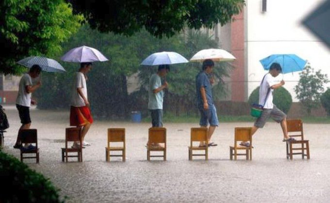 Китай собирается производить дождевые облака на заводах (5 фото)