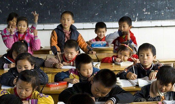 За внимательностью китайских школьников теперь пристально следят