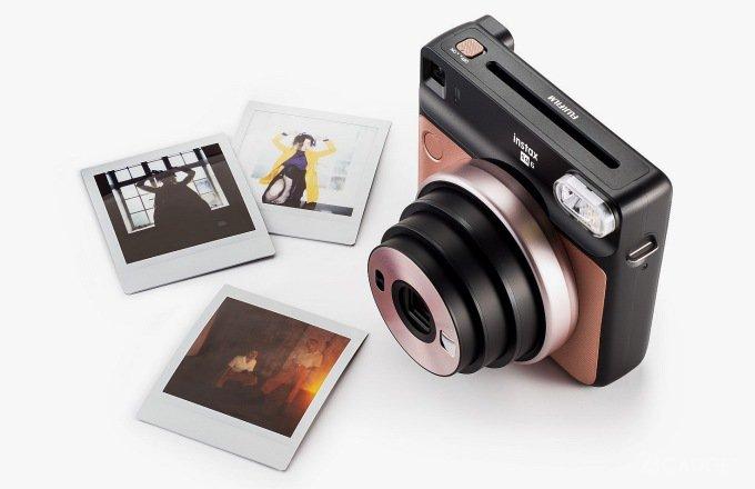 Fujifilm Instax Square SQ6 - аналоговая камера с моментальной печатью фото (7 фото)