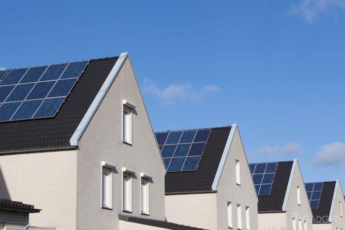 Калифорнийцам придётся возводить дома исключительно с солнечными панелями (3 фото)