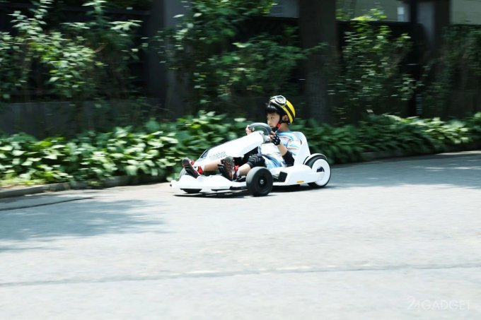 Новинка от Ninebot позволит гонять на Segway в стиле Mario Kart (5 фото)