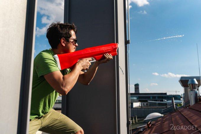 «Водяные пули» из игрового пулемёта поразят цель с 7 метров