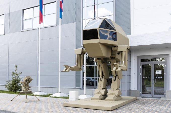 """""""Калашников"""" показал недоработанного антропоморфного робота (8 фото + видео)"""