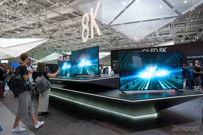 Новый телевизор от Samsung преобразовывает видео в формат 8К (7 фото)