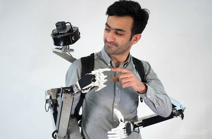 Робот Fusion составит человеку компанию или научит новому (видео)