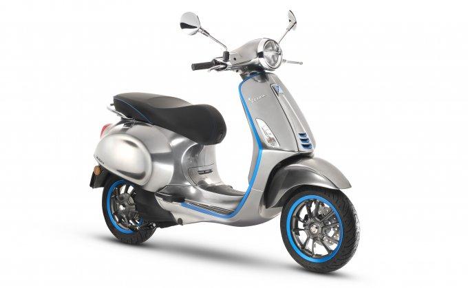 Анонсирована электрическая версия ретро-скутера Vespa (8 фото)