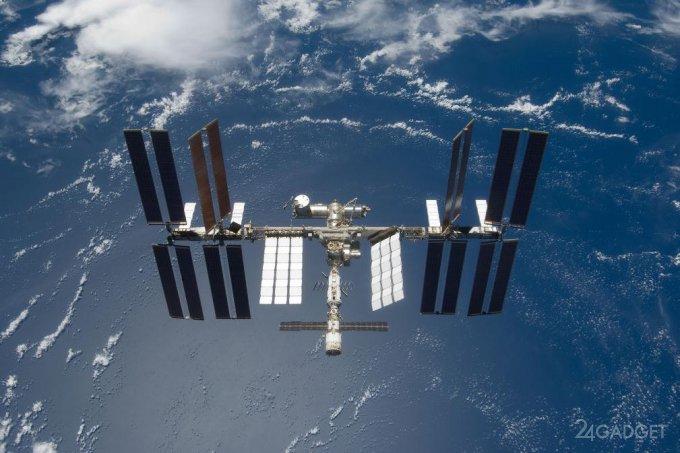 МКС могут перевести в беспилотный режим (4 фото)