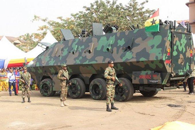 Гана удивила бронемобилем и боевым экзоскелетом местного производства (4 фото + 2 видео)