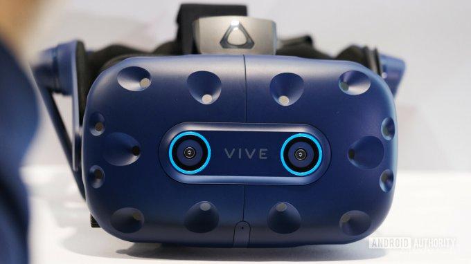 HTC Vive Pro Eye — VR-шлем, отслеживающий взгляд пользователя (7 фото + видео)