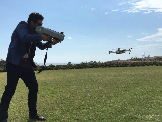 Ненадёжный компаньон: дроны «сдают» полиции все данные хозяина (5 фото)