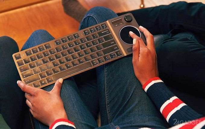 Corsair K83 - беспроводная клавиатура с тачпадом и джойстиком (7 фото)