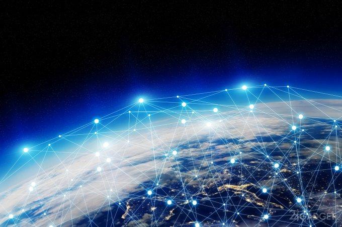 Спутники для интернета от SpaceX готовы к старту (3 фото)