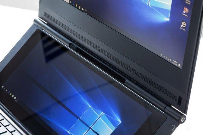 Intel показала самый необычный ноутбук с двумя экранами (7 фото + 2 видео)