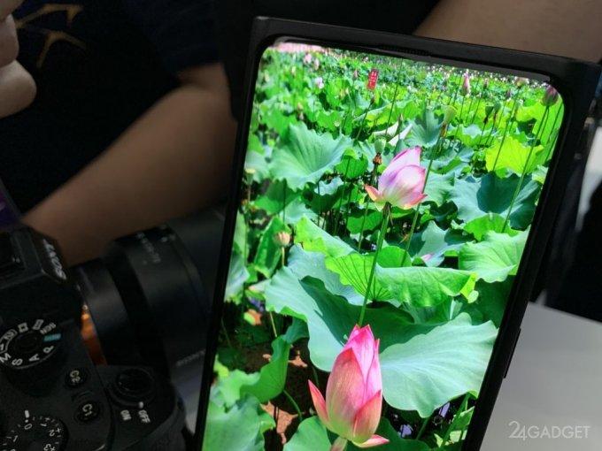 Анонсирован первый в мире смартфон с подэкранной камерой (11 фото + видео)