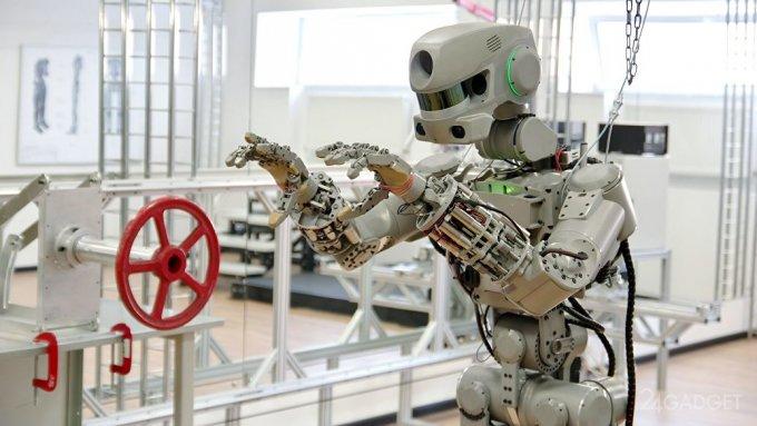 «Роскосмос» выпустил клип о роботе-космонавте «Федоре» (2 фото + видео)