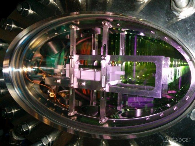 Физики осуществили контролируемое перемещение сохраненного света
