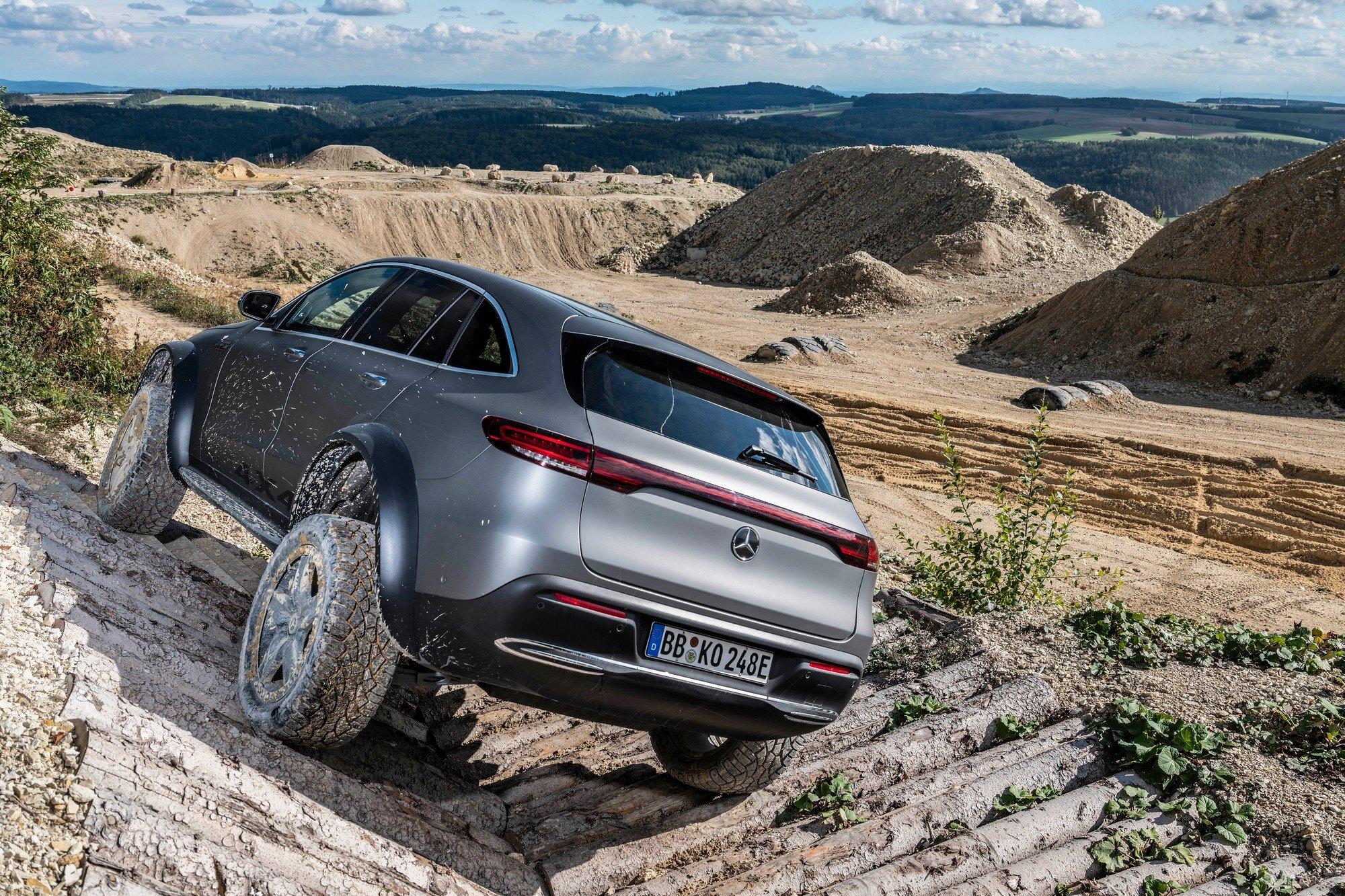 Представлено официальное видео с электрическим внедорожником Mercedes EQC 4×4²