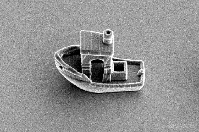 Физики напечатали трехмерную лодку размером меньше, чем толщина волоса
