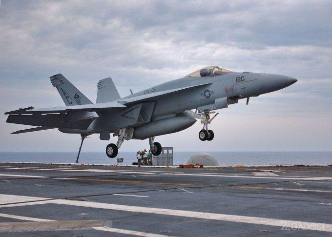 Опубликовано видео погони американского истребителя за крылатой ракетой (видео)