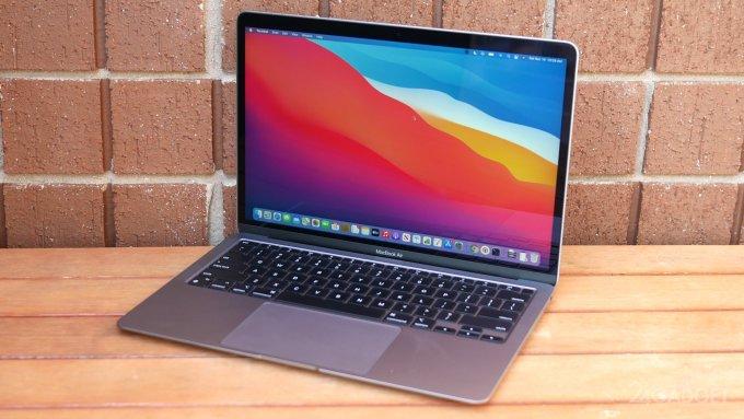 Новый MacBook Air оказался не пригоден для майнинга криптовалюты