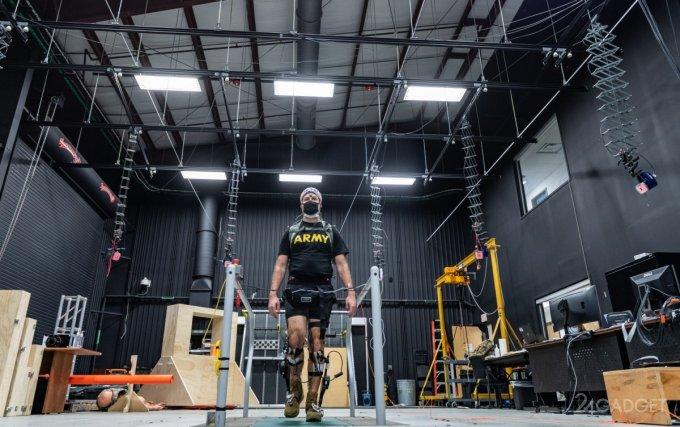 США изучает возможность использования экзоскелета для пехотинца