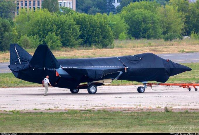 Показан макет будущего российского истребителя пятого поколения