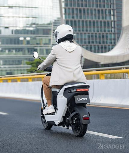 Honda представила новую серию электроскутеров U-Go по цене от 1200 долларов (4 фото)