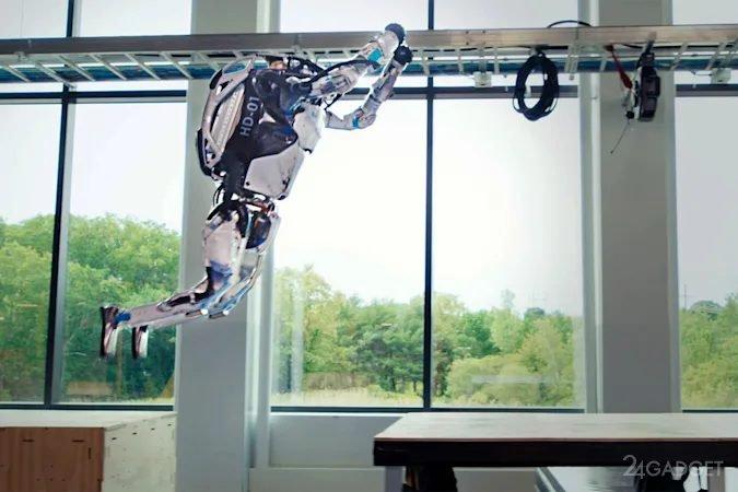 Двуногие роботы Atlas от Boston Dynamics элегантно преодолели полосу препятствий (видео)