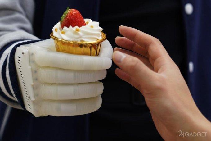 Разработаны бюджетные эластичные протезы рук, передающие тактильные ощущения