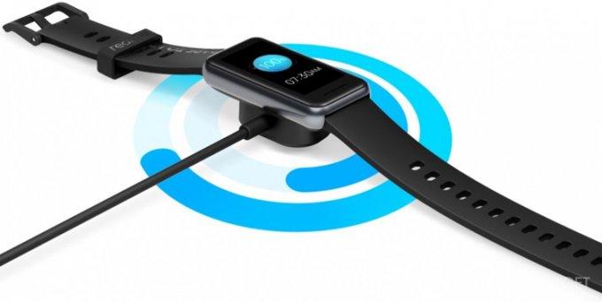 Представлен новый фитнес-браслет Realme Band 2 (4 фото)